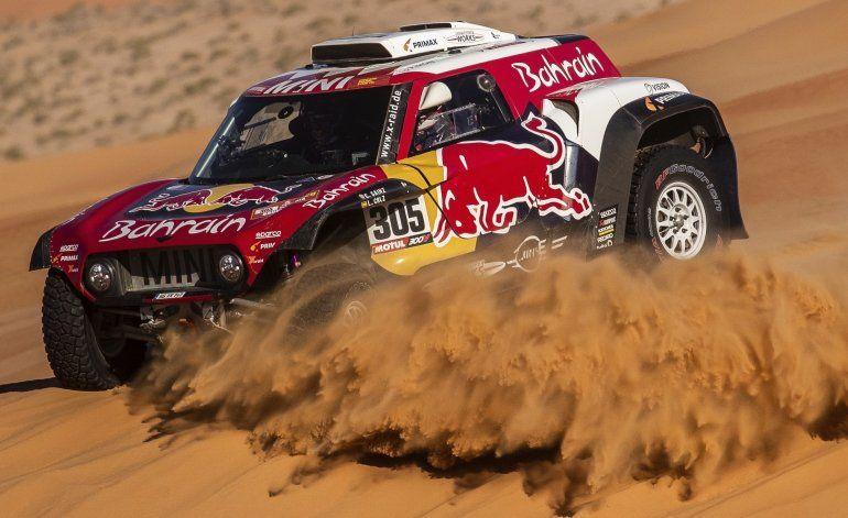 Sainz acaricia un tercer título del Rally Dakar