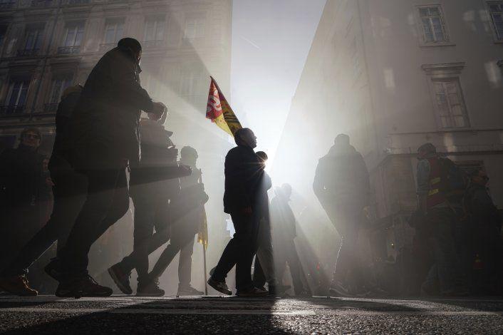 Nuevas protestas callejeras sacuden Francia