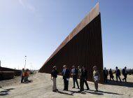 dhs pide fondos del pentagono para 430 km de muro