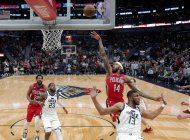 ingram luce con 49 puntos; pelicans descarrilan a jazz