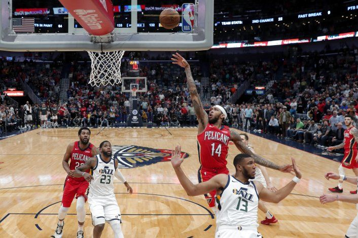 Ingram luce con 49 puntos; Pelicans descarrilan a Jazz
