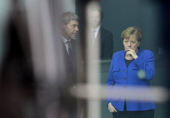 Alemania acoge una cumbre para detener los combates en Libia