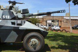 al menos 75 presos se fugan de una prision en paraguay