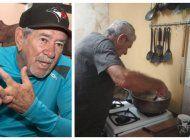 el periodista deportivo cubano, ivan lopez, tiene que vender chicharrones a sus 76 anos para sobrevivir en la isla
