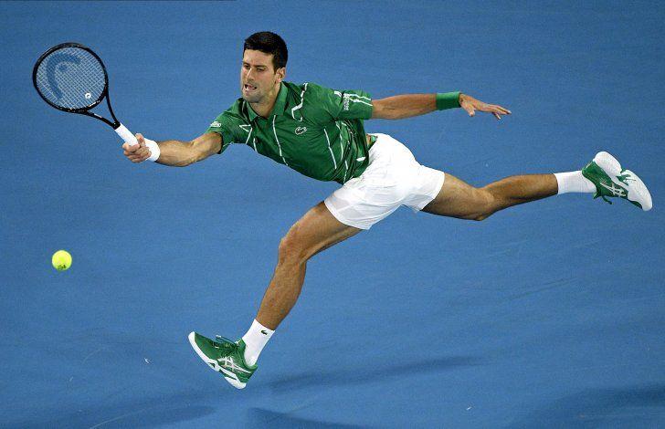 Djokovic, Federer y Osaka inician con victorias en Australia