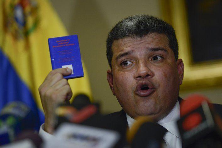 Legislador venezolano pide investigar ayuda humanitaria