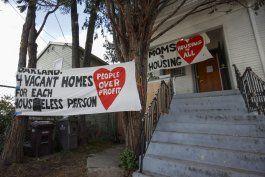 california: mamas volverian a casa de donde las desalojaron