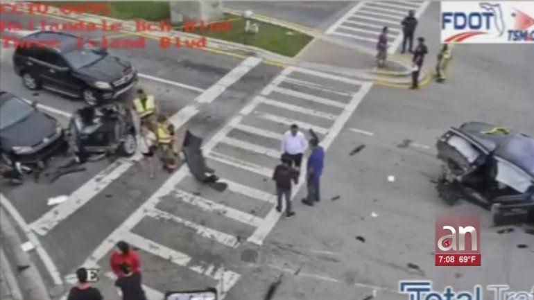 Aparatoso accidente en Hallandale Beach deja varios heridos