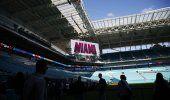 Miles de trabajadores preparan estadio para Super Bowl