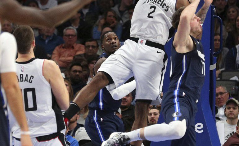 Leonard y Clippers superan a Mavs, que pierden a Powell