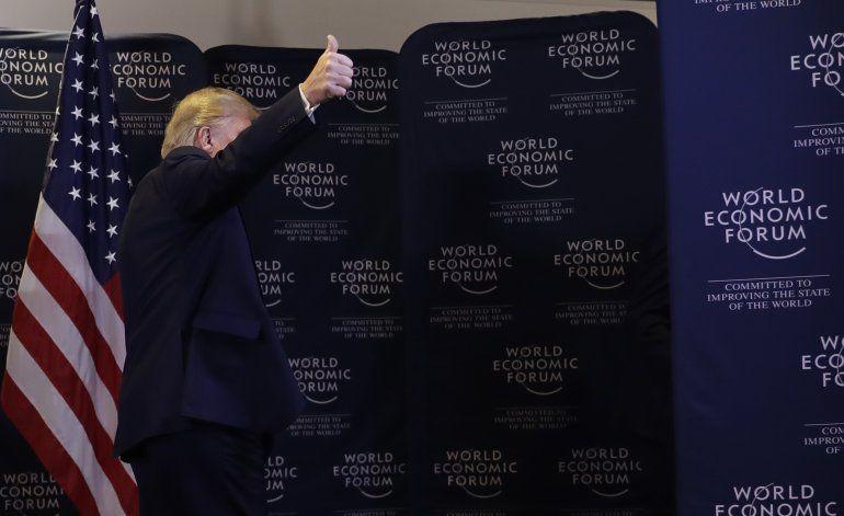 Trump critica a demócratas por juicio político en su contra