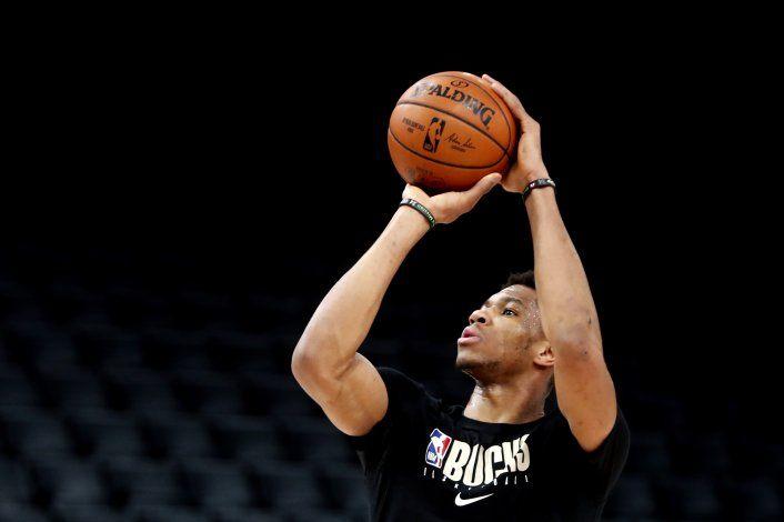 NBA: Hornets buscarán frenar a Antetokounmpo, ahora en París