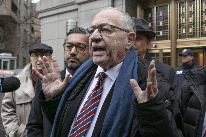 Connotado profesor de Derecho defenderá a Trump