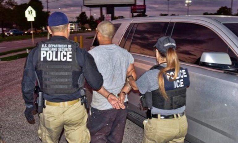 Condenan a líder de banda que traficaba con migrantes cubanos