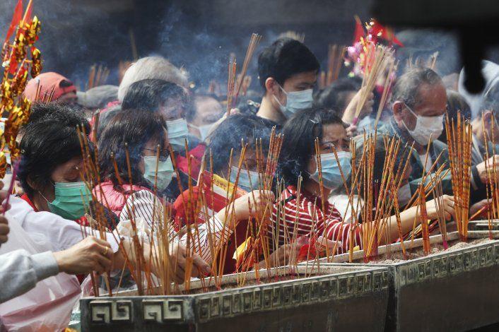 Nuevo virus empaña celebración del Año Nuevo Lunar en Asia