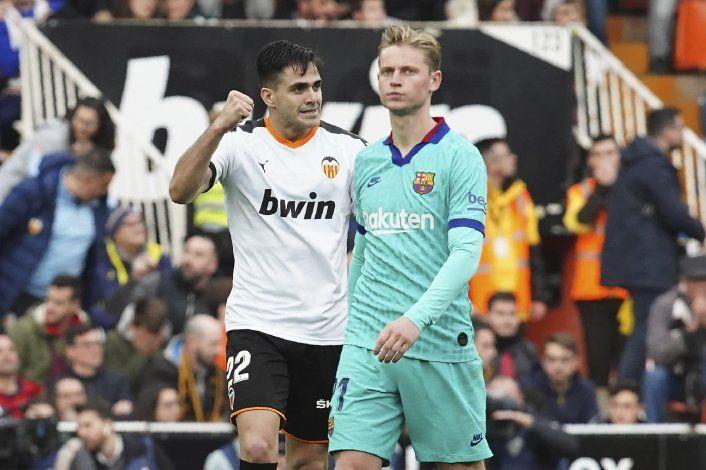 Valencia propina primera derrota al Barcelona de Setién