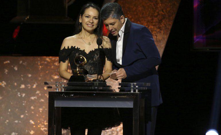 Rosalía, Sanz, Marc Anthony y Nuviola ganan premios Grammy