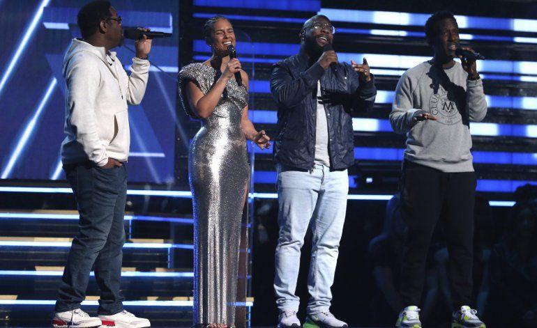 Cosas de familia: Billie Eilish, Finneas arrasan en Grammys