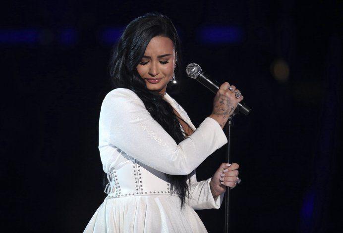 Billie Eilish, voz de la juventud, hace historia en Grammy