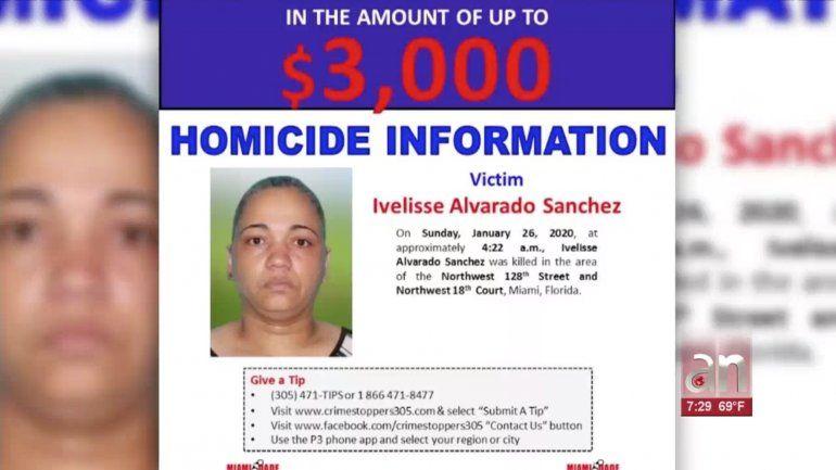 Balean mortalmente a una mujer y dejan a su hijo herido frente a su casa en Miami