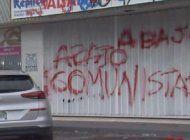 pintan cartel anticastristaen sede de la alianza martianaen miami