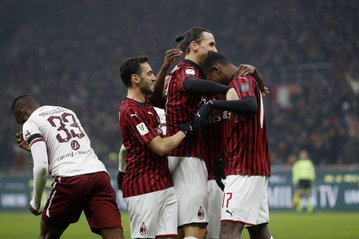 Calhanoglu anota 2 tantos; Milan vence a Torino en Copa