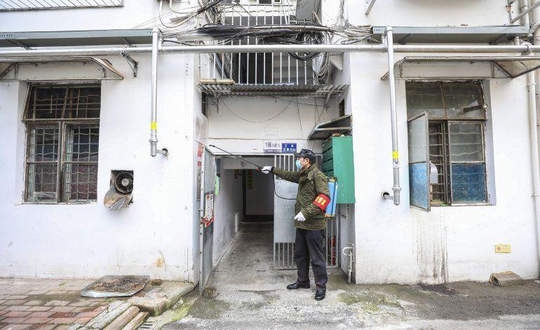 Los casos del nuevo virus en China superan al SARS