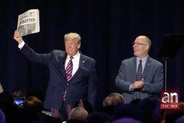 el presidente trump celebra su triunfo sobre juicio politico en su contra
