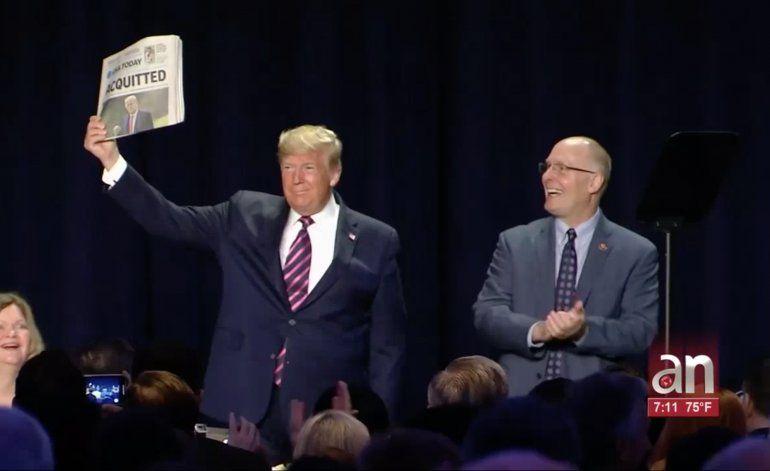 El presidente Trump celebra su triunfo sobre juicio político en su contra