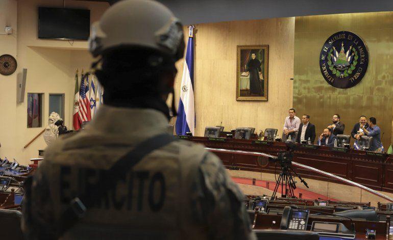 AP EXPLICA: ¿Qué hay tras la crisis política en El Salvador?
