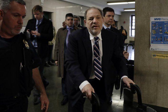 Abogada de Weinstein: fiscales tienen un cuento, no un caso