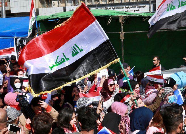 Protestas en Irak contra intento de marginar a mujeres