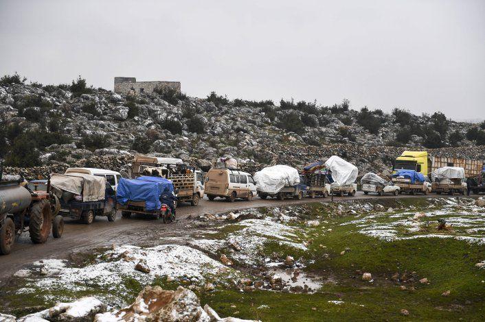 "Defensas sirias enfrentan ""blancos hostiles"" sobre Damasco"