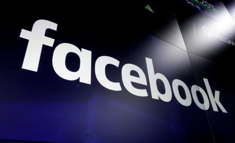 Facebook permite mensajes políticos pagados sin ser anuncios