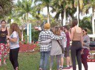 comunidad recuerda a las victimas de parkland