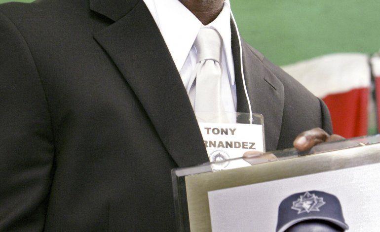Fallece Tony Fernández, líder histórico de hits de Azulejos