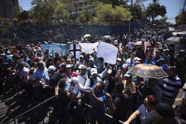El Salvador: Exigen aprobar préstamo para seguridad