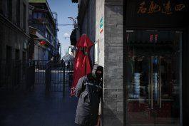 registran otros 105 decesos por el coronavirus en china