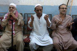 cinco muertos por filtracion de gas toxico en pakistan
