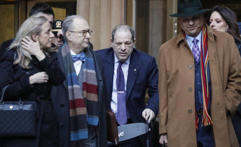 Jurado delibera por 2do día en juicio a Weinstein