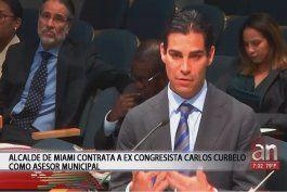 alcalde de miami contrata a ex congresista carlos curbelo como asesor municipal