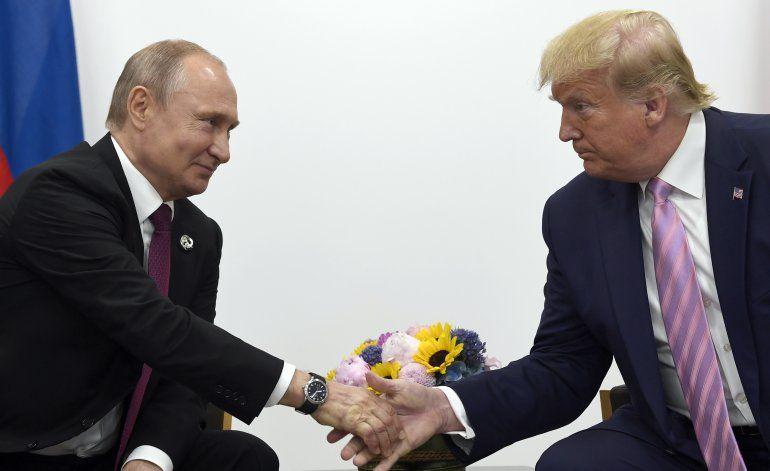Funcionarios de EEUU: Rusia impulsa la campaña de Trump