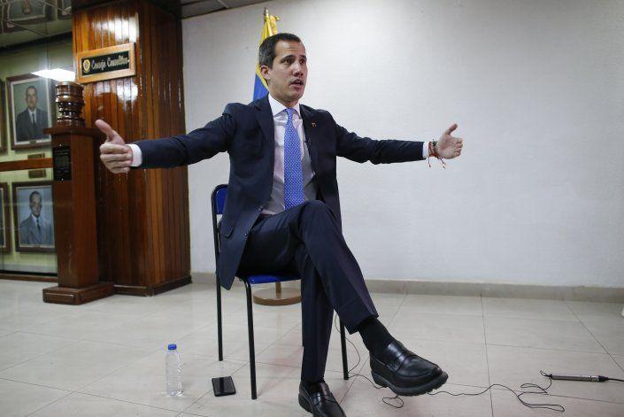 Entrevista AP: Guaidó impulsará más sanciones en Venezuela