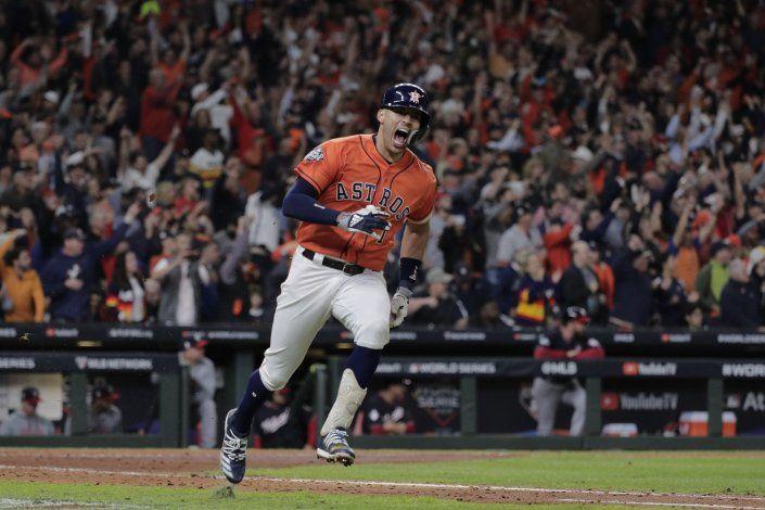 Campeones contra tramposos en duelo Astros-Nacionales