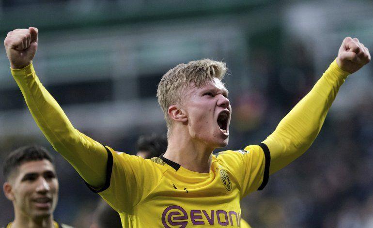 Haaland anota mientras Dortmund y Leipzig mantienen presión