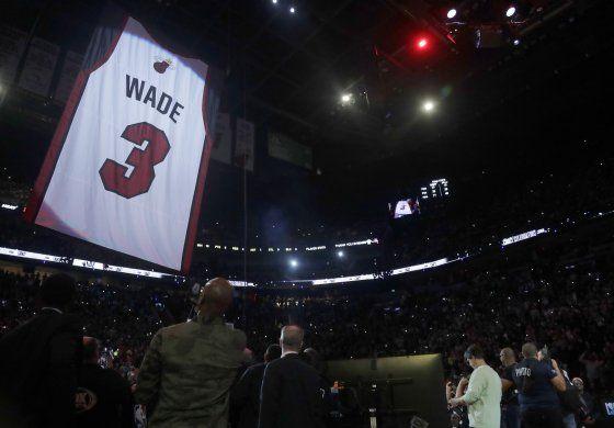 Heat retira camiseta de Wade con paliza a Cleveland