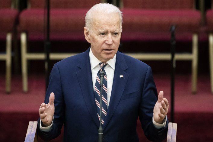 Biden pide a Sanders descalificar malos comportamientos