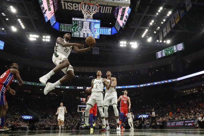 Bucks, primeros invitados a los playoffs de la NBA
