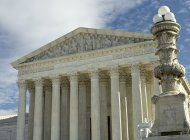 corte suprema evaluara normas de agencia hacia parejas gay
