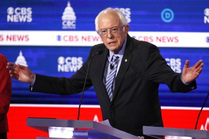 El senador Bernie Sanders reiteró sus elogios al sistema educativo cubano durante el debate de precandidatos demócratas en Carolina del Sur